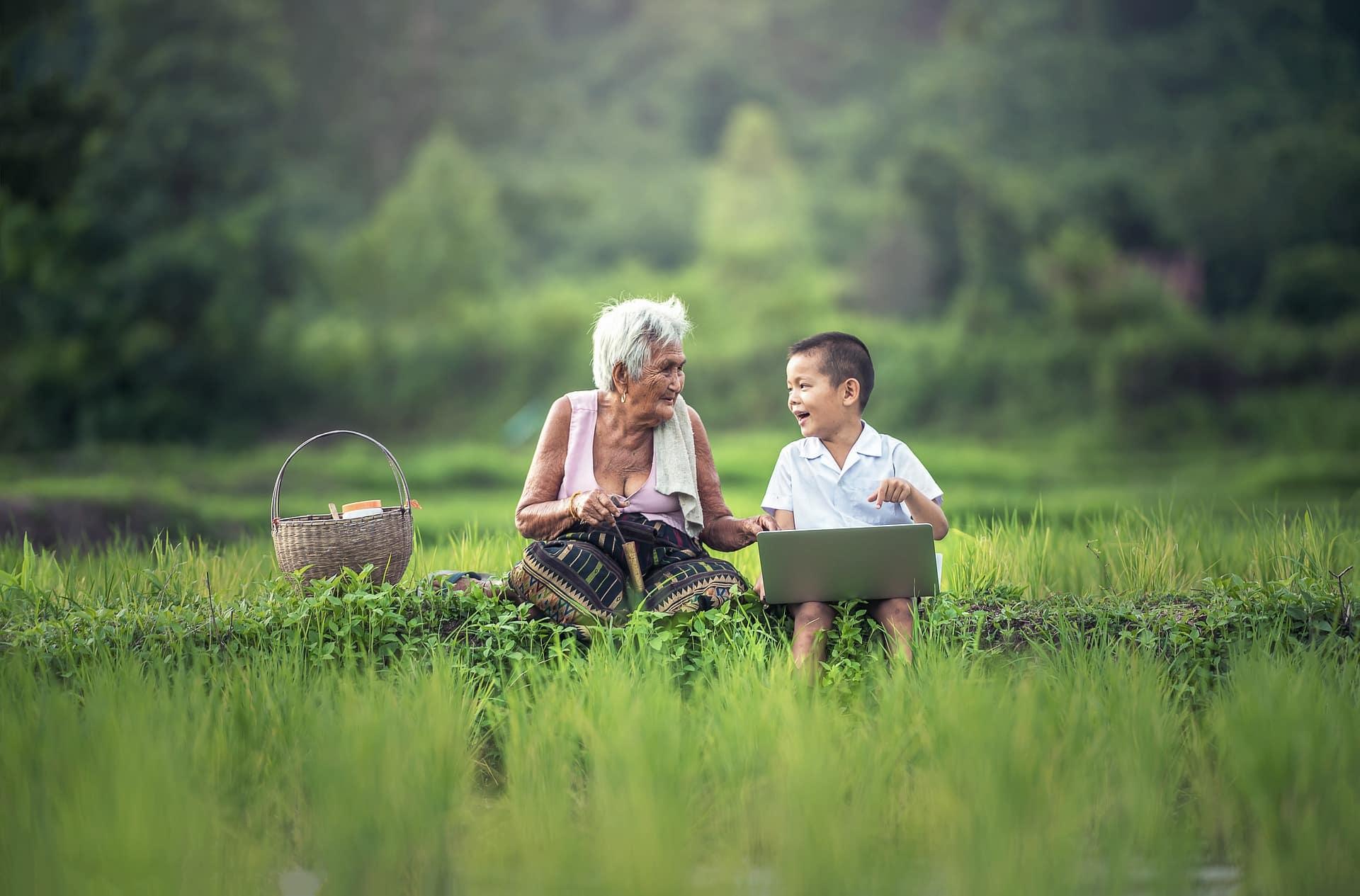 Mieux connaître ses proches - Grand-mère et petit fils